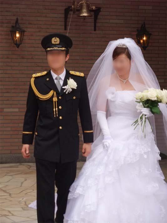 警察官の結婚式